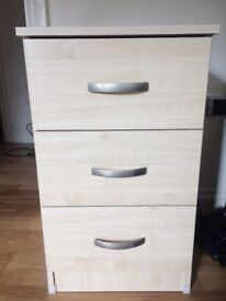 Bedside drawer with 3 draws