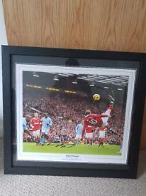 Genuine Signed Wayne rooney picture framed.