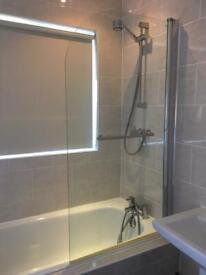 Bath shower screen - glass