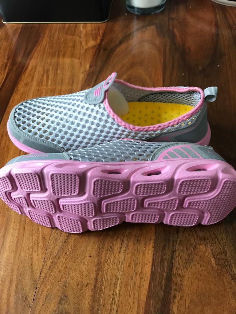 81f5cf807 Women s aqua water shoes brand new