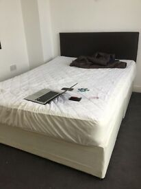 small double room available in a professional house share