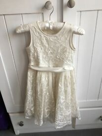 Girls occasion dress aged 3-4