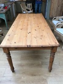 Pine kitchen table with turned legs and 1 drawer