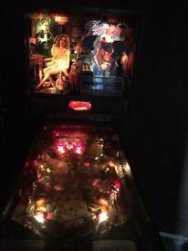 Phantom of the opera pinball machine,