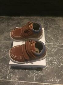 Clarks shoes size 5G