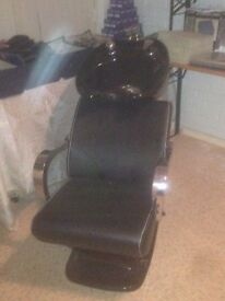 Selling due to moving soon a salon wash chair 6month old used a handful of times
