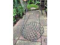 Large Green Round Metal Wire Mesh Garden Wall Hanging Flower Plant Basket Pot