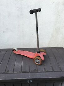Childs pink micro scooter