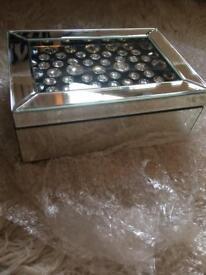 New mirrored jewelled keep sake/jewellery box