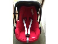 Maxi cosi pebble car seat suitable from birth