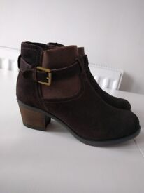Brown boots from Shuropody, UK size 7, special comfort design, as good as new.
