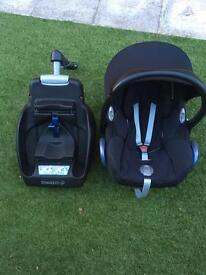 Maxi cosi newborn baby car seat and easy base