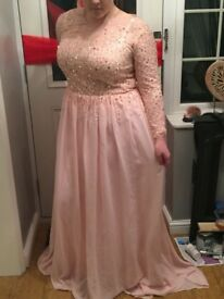 Dress, evening/prom/bridesmaid/party dress size 18/20 new not worn.