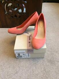 Brand new clarks coral heels Sz7/41