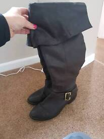 Leather boots size 6 women's