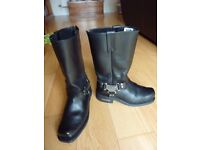 Victory Motorcycle Boots Size 42 (UK 8). These boots are original Victory branded US style boots.
