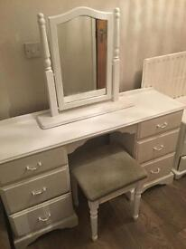 Full bedroom set dressing table /chest of drawers/two bedsides