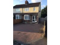 Lovely 3 bedroom semi detached house with drive way close to Leagrave train station £1100pcm
