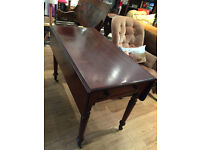 Pembroke Table , in good condition. Good quality. Must be seen. Size L 42in D 22 in H 29in