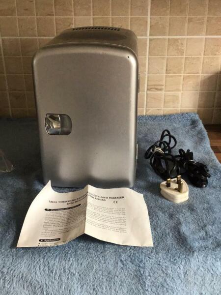 MINI SILVER 12V OR MAINS FRIDGE , used for sale  Doncaster, South Yorkshire