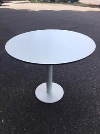 Excellent condition white round table