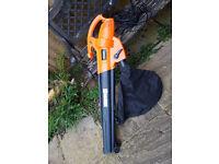 VonHaus 2800W Electric Garden Leaf Vacuum / Blower 45L
