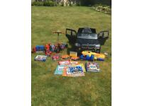 BMW X5 ELECTRIC CAR AND BUNDLE OF TOYS