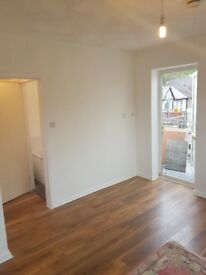 STUDIO FLAT IN TYLORSTOWN EXCELLENT CONDITION AND READY NOW