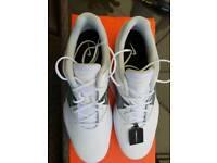 BNIB Ladies Nike Delight Golf Shoes Size 8.