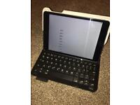 iPad Mini 128gb with Logitech Keyboard