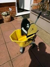 Jangro industrial mop bucket & strainer