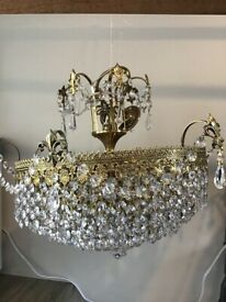 Crystal chandelier with two wall lights