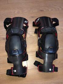 Pod K700 Carbon Fibre Knee Pads