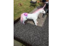 Giant unicorn