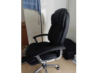 Practically new SONGMICS Office Chair, Scarcely Used