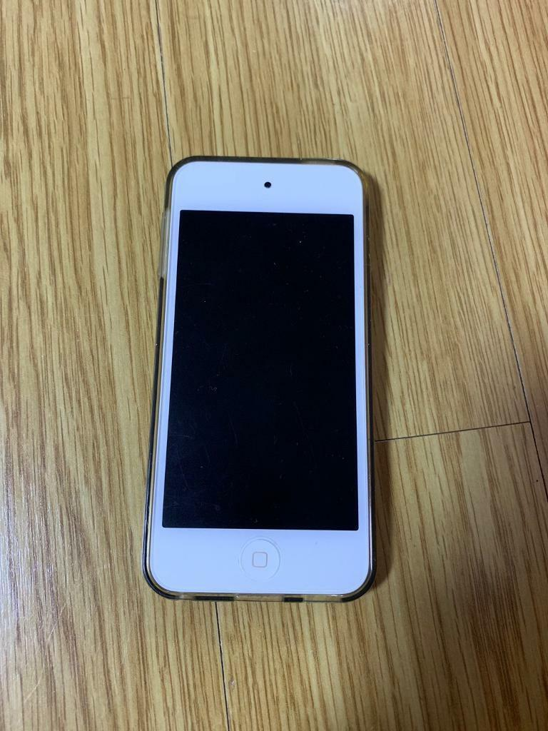 Ipod Touch 6th generation 32Gb Gold | in Guildford, Surrey | Gumtree