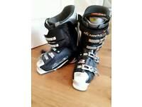 Nordica 8 Speed Ski boots. UK 10 (270-275)