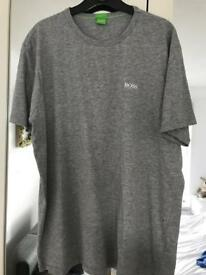Men's Hugo boss t shirt size xl