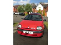 Renault Clio, 2001, low mileage, new clutch Jan '17, MOT due Feb '18, ideal first car