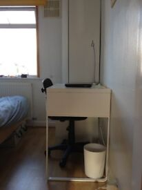 Single room to let. Central