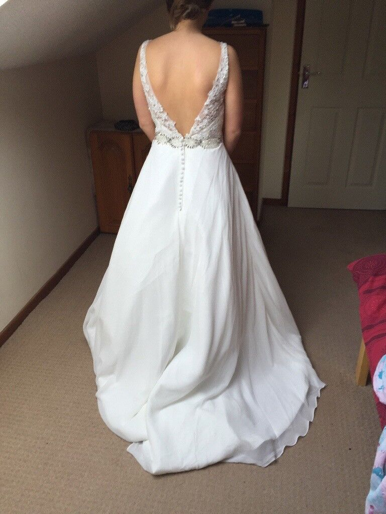 Brand New Wedding Dress For Sale Petite Size 8 Price Negotiable