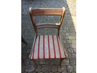 Used but good condition table and chairs with middle leaf extension