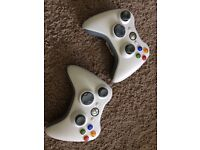 2 Xbox 360 official wireless controllers