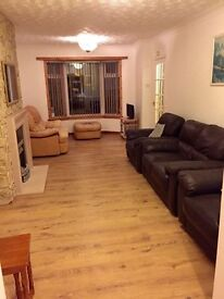 Semi detached 2 Bedroom house with Garden and drive!
