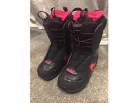 Women's Salomon Ivy Snowboard Boots UK 5