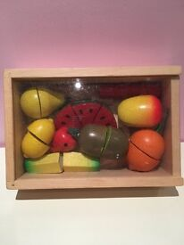 Wooden fruit chopping toy