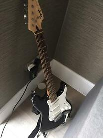 Electric Guitar - Fender Squier - include hard case - great condition