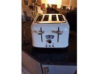 Delonghie toaster