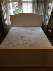 IKAE white king bed + orthopaedic mattress