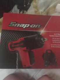 Snap on cordless impact gun